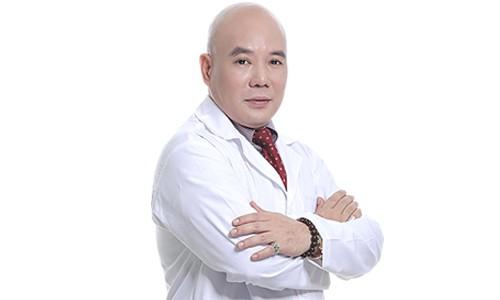đội ngũ bác sĩ chuyên khoa căng da Kangnam